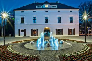 Urząd Miejski w Stroniu Śląskim.jpeg